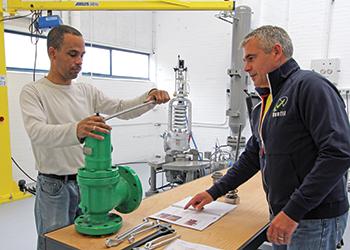 Ventil imparts practical training