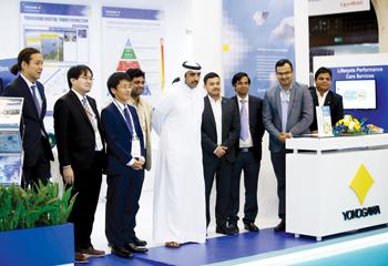Bahrain Oil Minister Shaikh Mohammed bin Khalifa Al Khalifa at Yokogawa's stand at Mepec